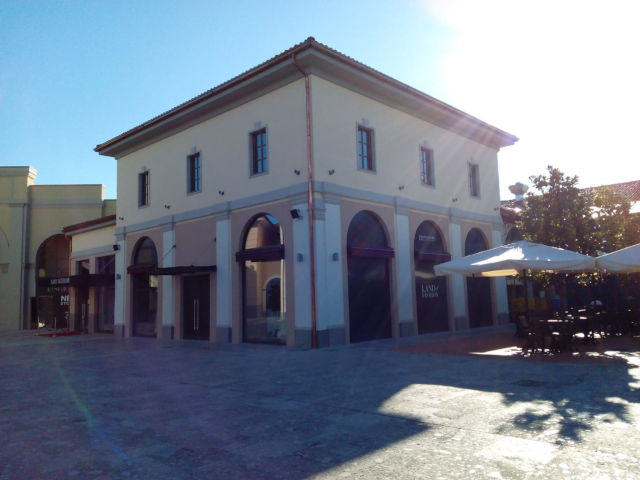 images/luglio2019/franciacorta_outlet_village/1HOTO-2018-07-11-12-05-48.jpg